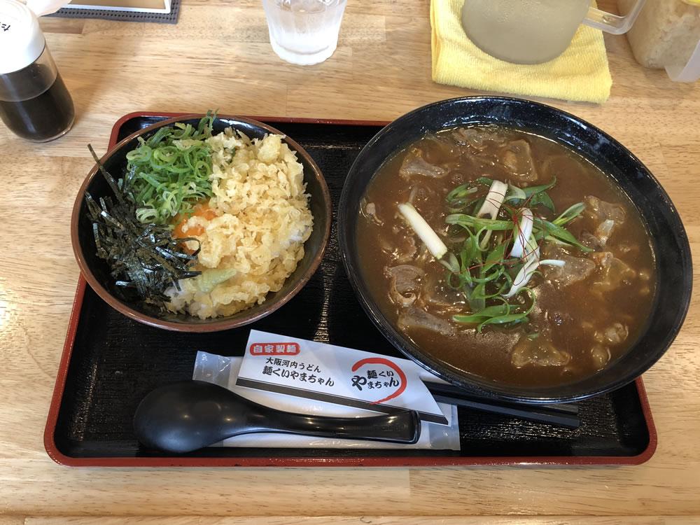 大阪・堺東 やまちゃん「かすカレーうどん」
