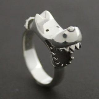 小指に着けるとどうしても薬指に噛みいてしまうシルバーリング 「BITE DOG RING」1
