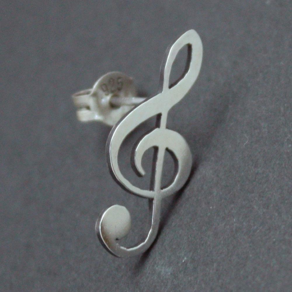 楽譜のト音記号をそのままシルバーピアスに「G CLEF PIERCE」