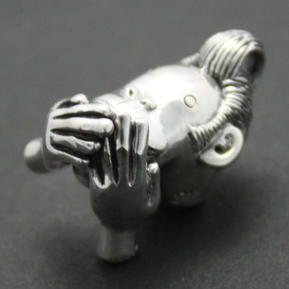 「三猿・言わざる」のフィギアの様なシルバーペンダント「三猿・言わざる ペンダント」