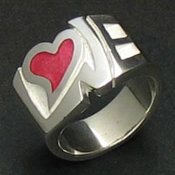 ラブのロゴデザインリング「LOVE COLOR RING」