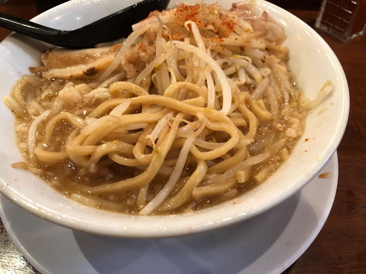 西本町・笑福 ラーメン(マシ)麺の太さ